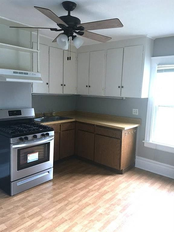 1555-Culver-Upper-Kitchen-2